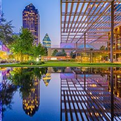 Whether you're in Dallas for business or leisure, experience it like a local. As a Dallas native, FROSCH Branch Manager and Luxury Travel Advisor, @PollyTrapp, was the perfect person to ask for an insider's point of view to the city. When visitors come to town, this is where Polly takes them! Click the link in our bio to learn more.
